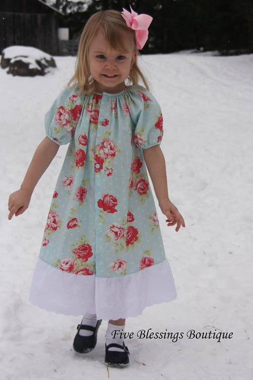 1f34b43462a There are so many variations possible depending upon the fabric you use  from fancy to a regular dress. Whether you smock or gather the outfit its  sure to be ...
